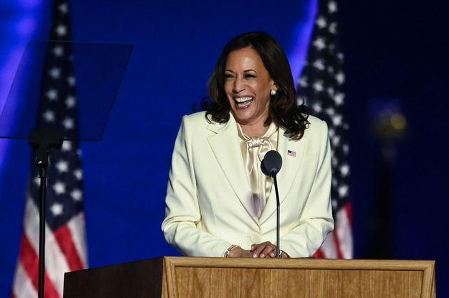 カマラ・ハリス氏、女の子たちに力強いメッセージ。「私は最初の女性副大統領かもしれませんが、最後ではありません」