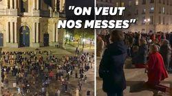 Privés de messe, ces catholiques ont prié devant la cathédrale de
