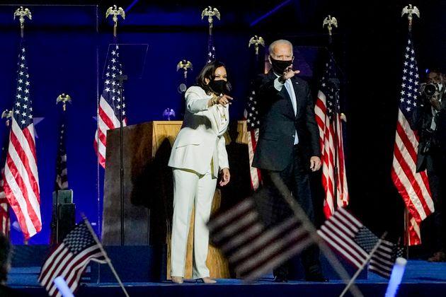 """Biden e Harris, parole sulle """"ali"""
