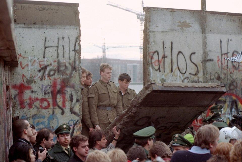 Νοέμβριος 1989 Το Τείχος...