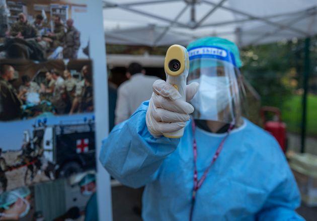 La distribuzioe di vaccini antinfluenzali Ospedale Militare di Baggio, Milano, 8 Novembre, 2020. ANSA/Andrea