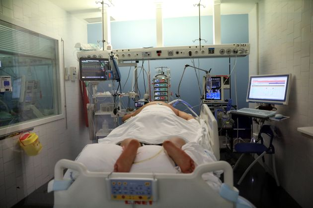 La presión hospitalaria sube y la ocupación en las UCI roza el