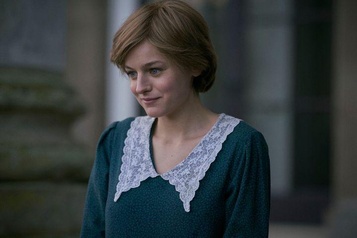 Emma Corin dans le r&ocirc;le de la princesse Diana, dans la saison 4 de <i>The Crown</i>.
