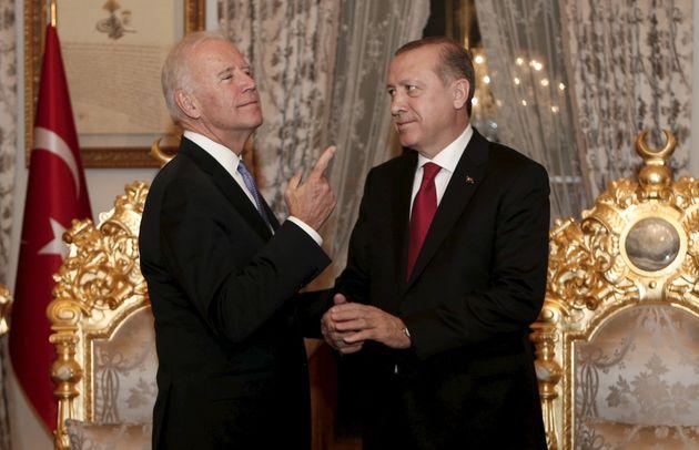 Γιατί Πούτιν, Ερντογάν και άλλοι ηγέτες αρνούνται (για την ώρα) να συγχαρούν τον