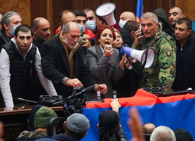 Οργή και πίκρα στην Αρμενία για την