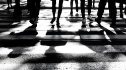 全国の自殺者数、4か月連続で増加。女性は10月、前年比82%も増える