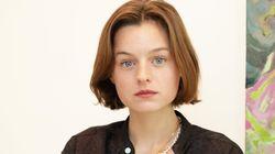 Princesa Diana em 'The Crown', Emma Corrin diz sentir pena da família
