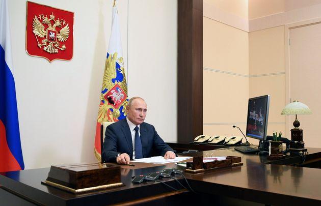Ο Πούτιν κάνει δηλώσεις...