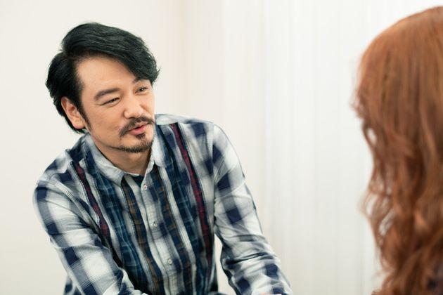 真剣に話し合って、妊活あきらめた。LiLiCo、50歳。夫・小田井涼平と見つけた夫婦のかたち