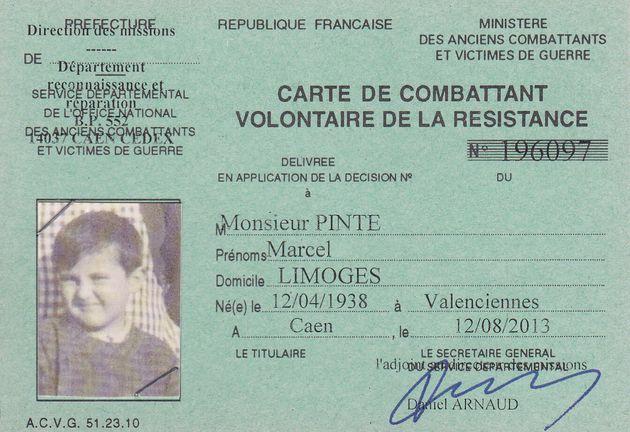 Cette photo fournie par la famille de Marcel Pinte en novembre 2020 montre la carte de combattant volontaire...