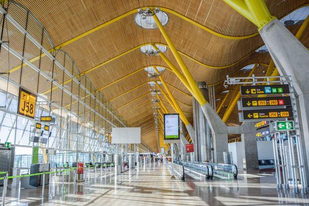 España exigirá a viajeros internacionales de países de riesgo una PCR negativa en las últimas 72