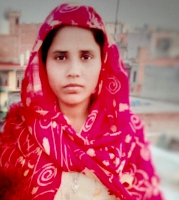 Gulshan Bano's father, Mohammed Anwar Kassar, was killed in the Delhi riots on 25 February, 2020.