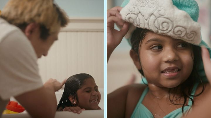 <strong>Raymond and Ella are all smiles during their cherished hair washing ritual.</strong><br />(Photograph: Courtesy of Pantene)