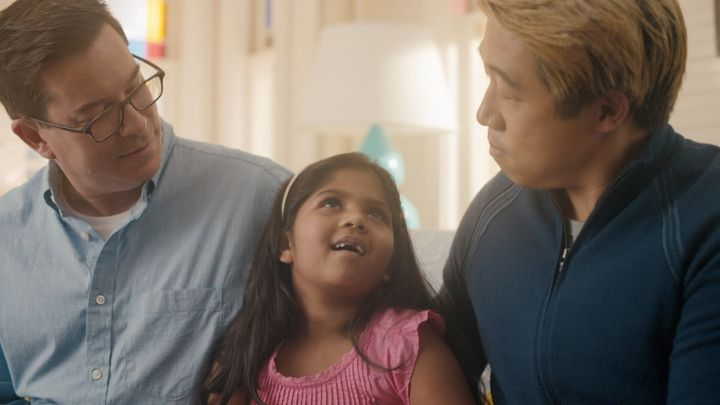 <strong>Parents Robbi and Raymond discuss hair care with their daughter Ella.</strong><br />(Photograph: Courtesy of Pantene)