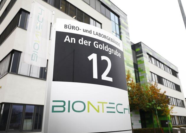 BioNTech/Pfizer: Ο άνθρωπος πίσω από το εμβόλιο λέει ότι μπορεί να τερματίσει την