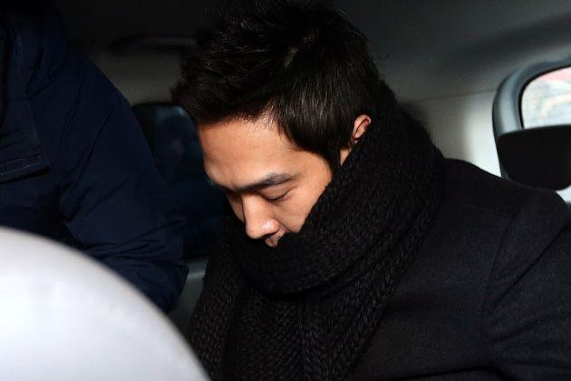(자료사진) 2013년 1월10일. 룰라 출신 방송인 고영욱(37)이 서울 서부지법에 미성년자 4명에 대한 성추행 및 간음 혐의(아동·청소년의성보호에관한법률위반)에 대한 영장 실질심사를...