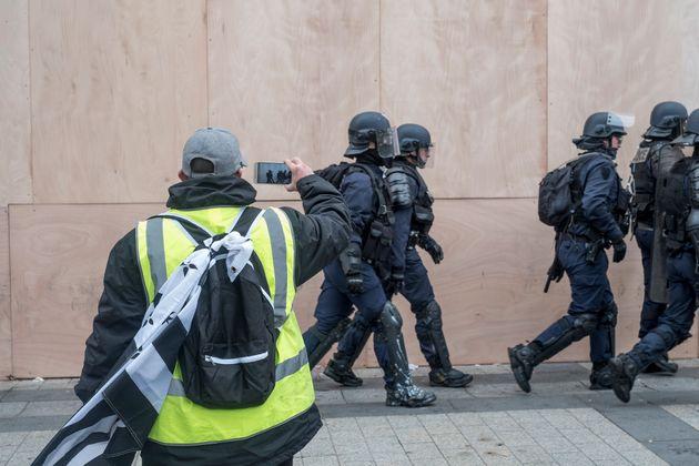 La diffusion d'images montrant les policiers et gendarmes en intervention se pose alors à l'occasion...