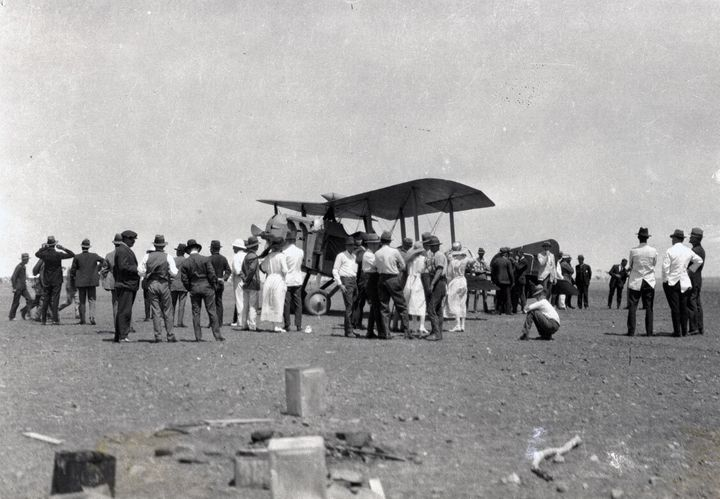 Qantas' first mail and passenger flight in November 1922.