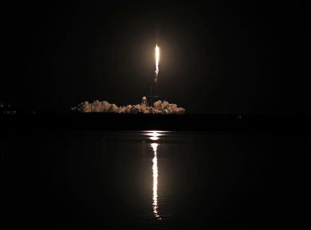 Space X – NASA: Ιστορική εκτόξευση «κουαρτέτου» αστροναυτών στον Διεθνή Διαστημικό