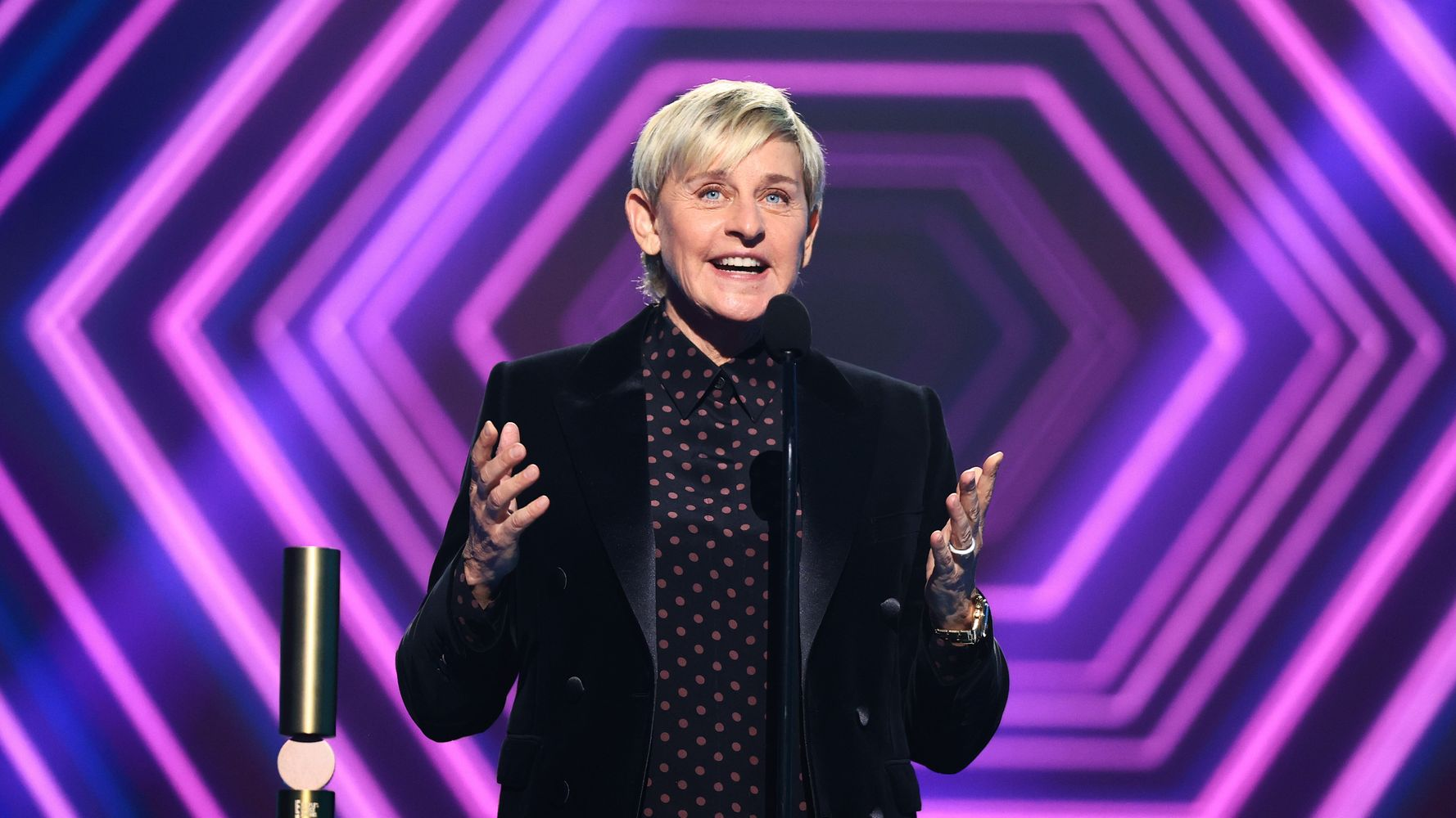 Ellen DeGeneres Thanks Her 'Amazing Staff' At People's Choice Awards