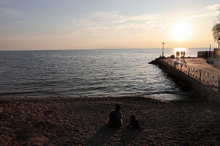 Στον φλοίσβο το ηλιοβασίλεμα