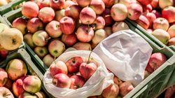 Cómo abrir las bolsas de plástico de la frutería sin tener que humedecer los