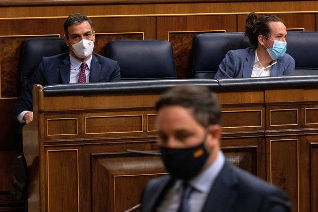 Sánchez e Iglesias en el Congreso mientras Abascal sube a la