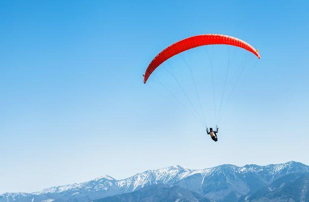 À 91 ans, il ressort indemne d'un accident de parachute (Photo