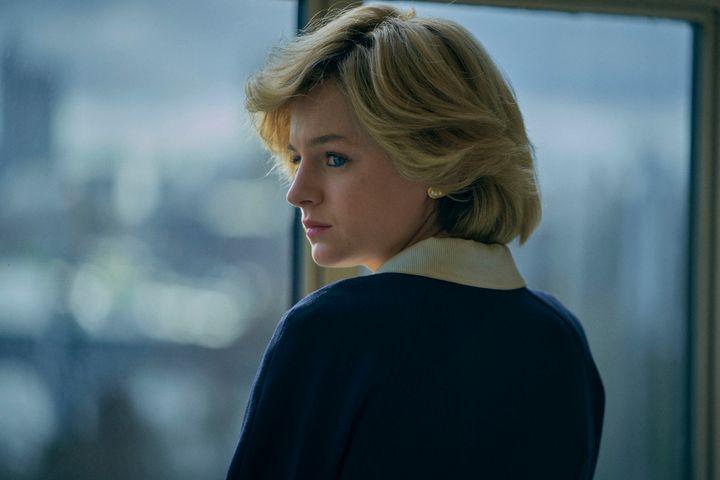 """Lady Diana, interprétée par l'actrice Emma Corrin, dans la quatrième saison de """"The Crown"""", sur Netflix."""