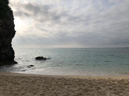 父の育った沖縄の海
