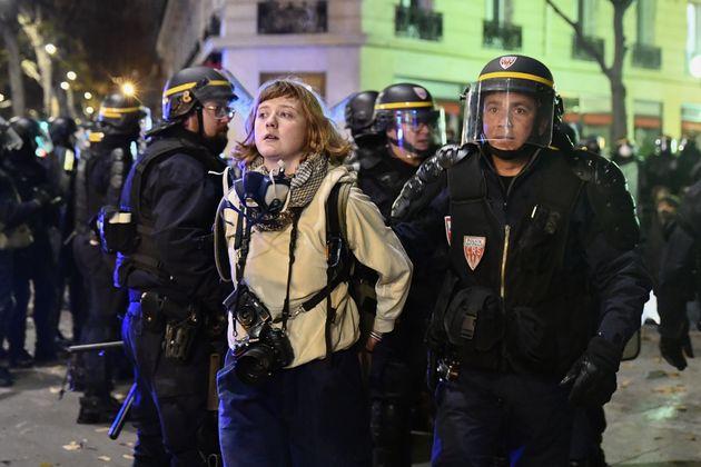 Hannah Nelson, photographe travaillant pour Taranis News, arrêtée mardi soir en marge de...