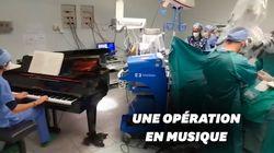 Un pianiste accompagne les chirurgiens au bloc opératoire en