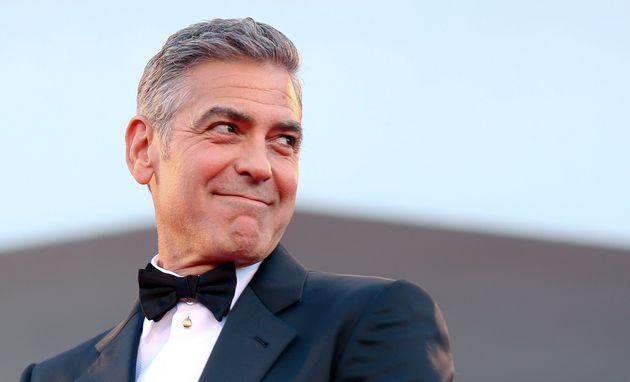 George Clooney ha regalato 1 milione di dollari a ciascuno dei suoi 14 amici più