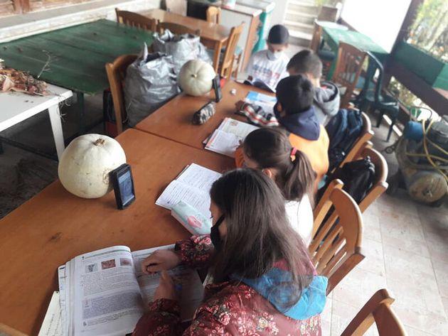 Τσίπρας: Κατάντια Μητσοτάκη – Κεραμέως παιδιά να κάνουν μάθημα σε