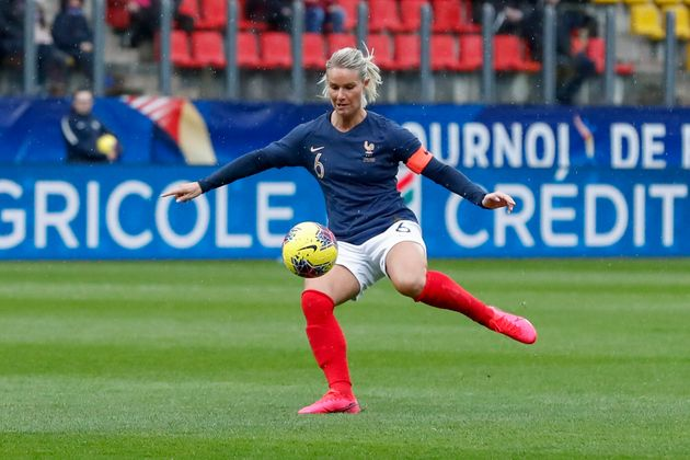La footballeuse Amandine Henry lors d'un match de l'équipe de France féminine de football...