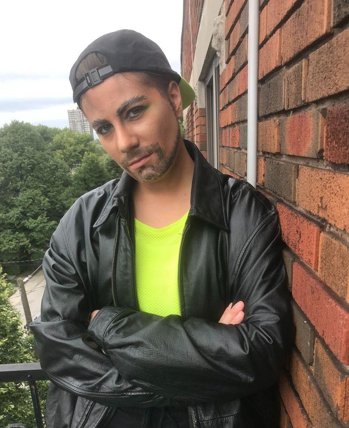 Je deviens, quelques heures par semaine, Tony Tequila, drag king.J'aime performer la masculinité et jouer avec les codes de genre.