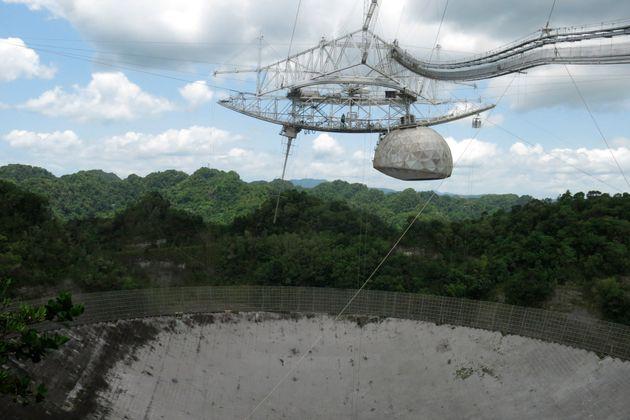 Κατεδαφίζεται το ραδιοτηλεσκόπιο του