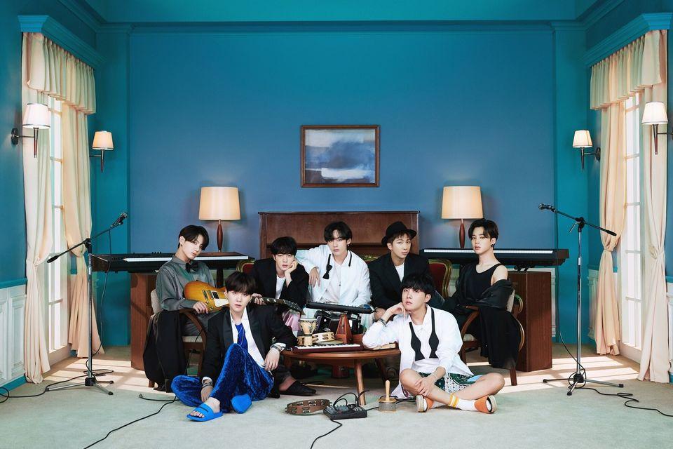 방탄소년단은 20일 오후 2시(한국시간) 전 세계 동시에 새 앨범 'BE(Deluxe Edition)'를