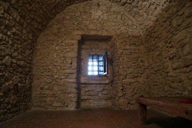 カリオストロ伯爵が収監されていた「井戸の牢獄」