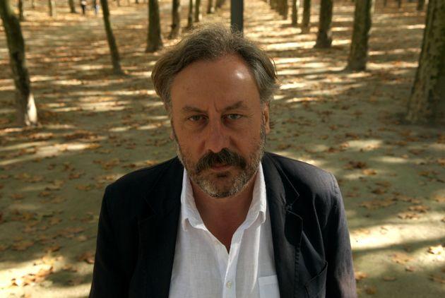 El escritor Julio Llamazares, en una imagen tomada en Burdeos en