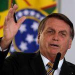 Após prometer divulgar lista de países que compram madeira ilegal, Bolsonaro faz acusação