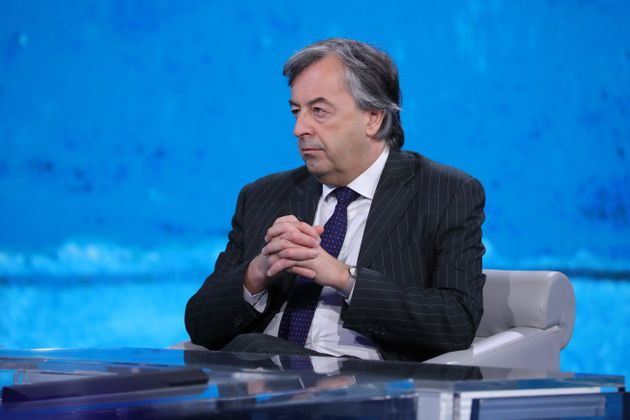 Roberto Burioni spiega la differenza tra i vari test per diagnosticare il Covid