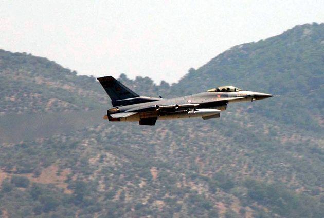 Υπερπτήσεις τουρκικών μαχητικών πάνω από Παναγιά, Οινούσσες και