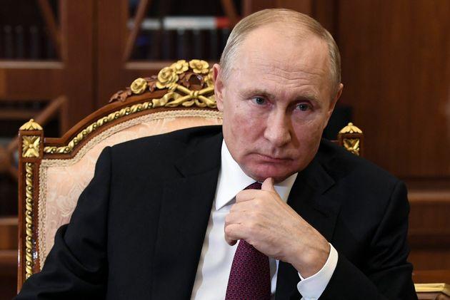 Πούτιν: Δεκάδες εκατομμύρια Ρώσων κινδυνεύουν να βρεθούν κάτω από το όριο της
