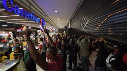 Des manifestations contre Carrefour au Brésil après la mort d'un noir tabassé par des
