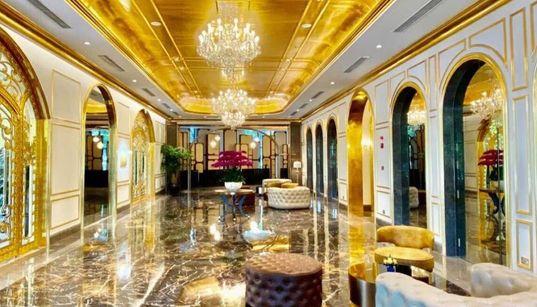 Το πρώτο «ολόχρυσο» ξενοδοχείο άνοιξε τις πόρτες του στην πρωτεύουσα του