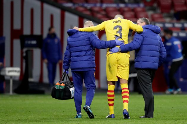 Gerard Piqué se retira lesionado del partido contra el Atlético de
