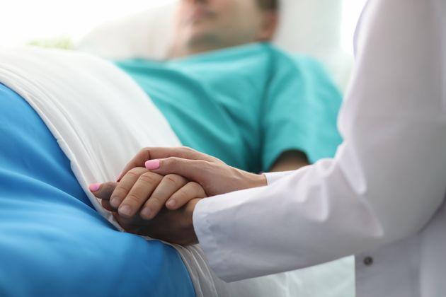 Aide médicale à mourir: l'exclusion de la maladie mentale choque des