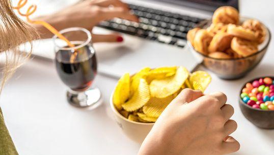 왜 지루함을 느낄 때 자꾸 뭘 먹게 될까? (전문가
