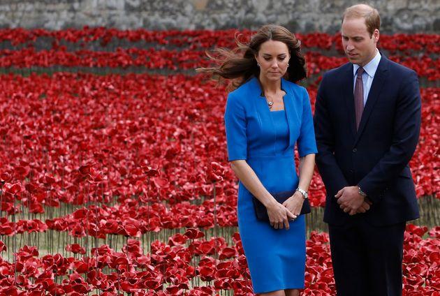 El príncipe Guillermo y Kate Middleton en el Día del Armisticio en memoria de las víctimas...